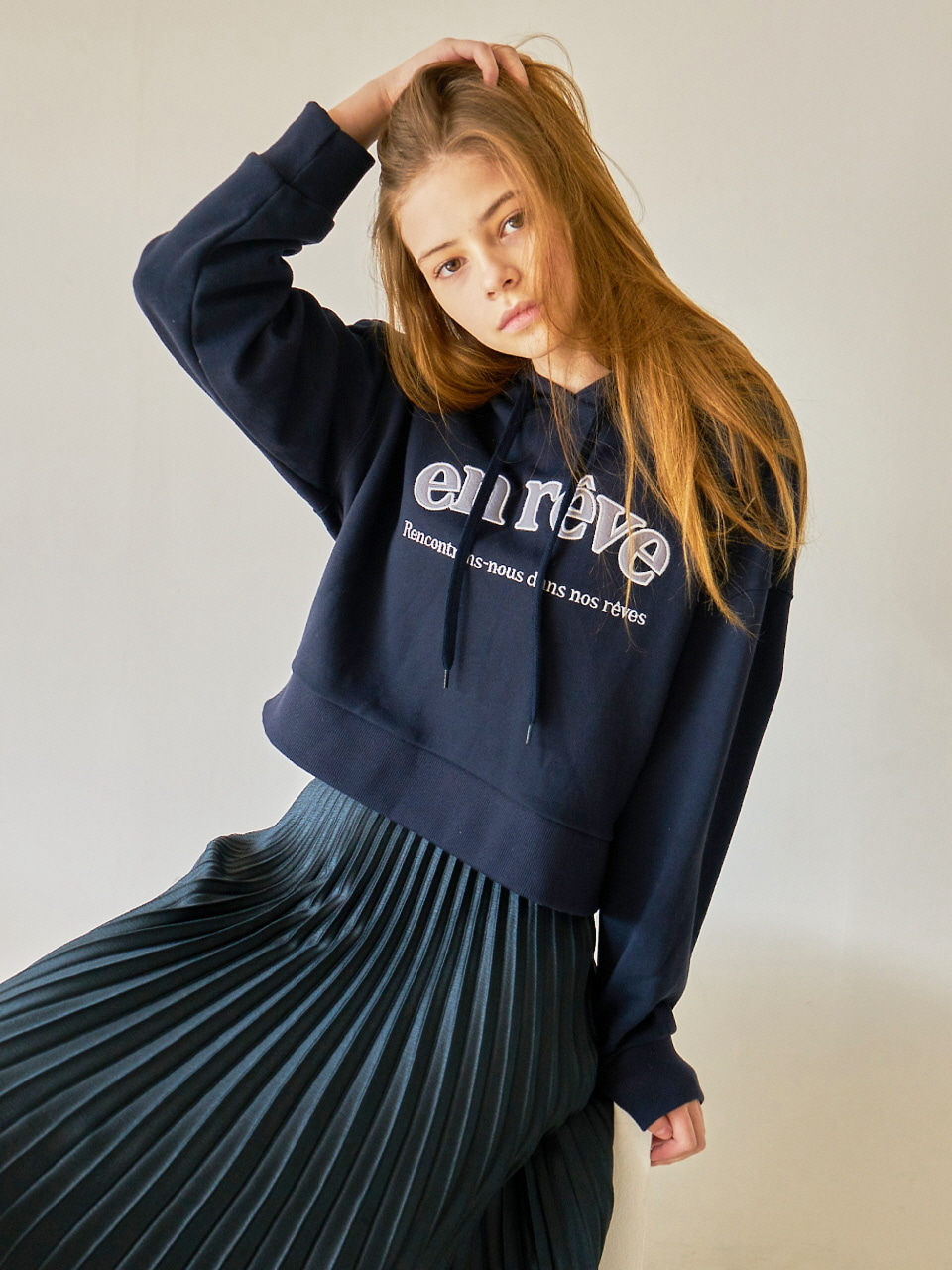 MTOF3 CROPPED HOODY(NAVY)