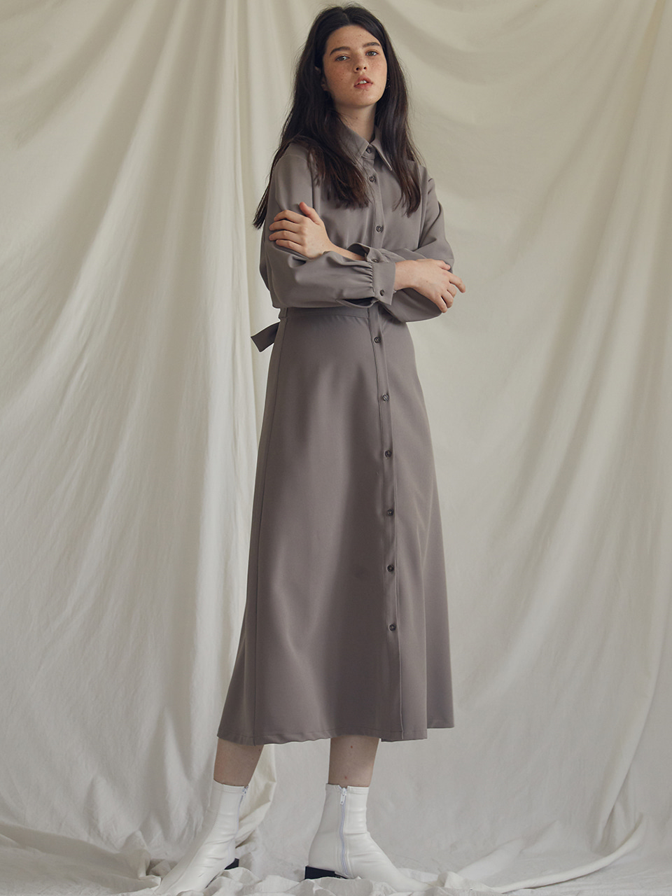 ES WAIST POINT DRESS(KHAKI)